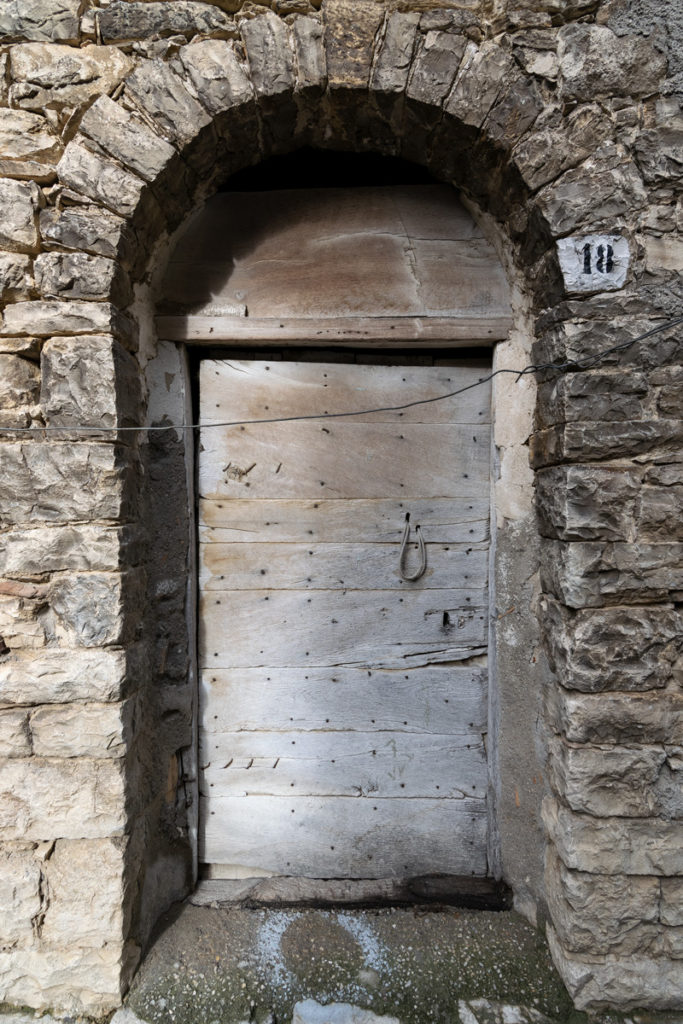 porta antica centro storico liscia